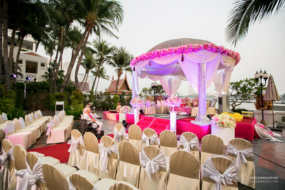 Pheras Indian Wedding Ceremony at Anantara Riverside Bangkok
